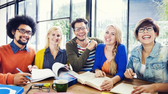Group of people smiling - soft skills